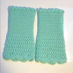 Fingerless gloves. Mint green Hand warmers